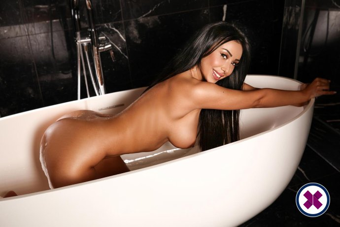 Alice is a sexy Romanian Escort in Westminster